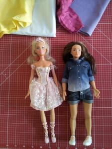 Lammily und Barbie