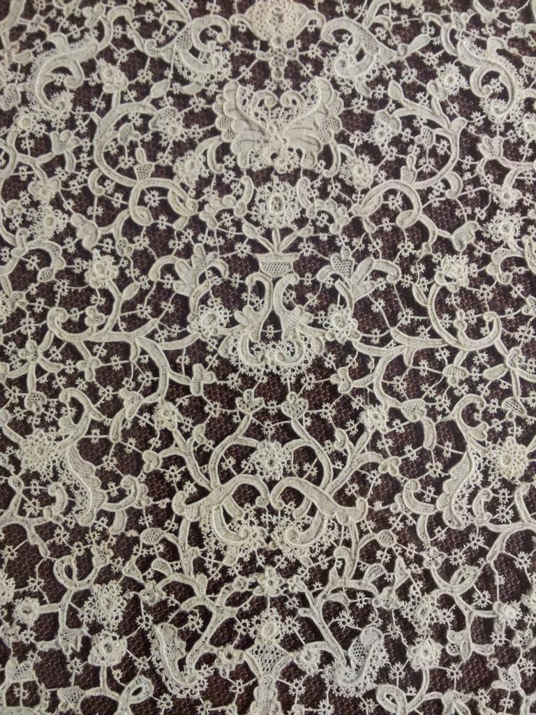 2014-09-03 Burano - Spitzenmuseum - Mitteldecke Detail2