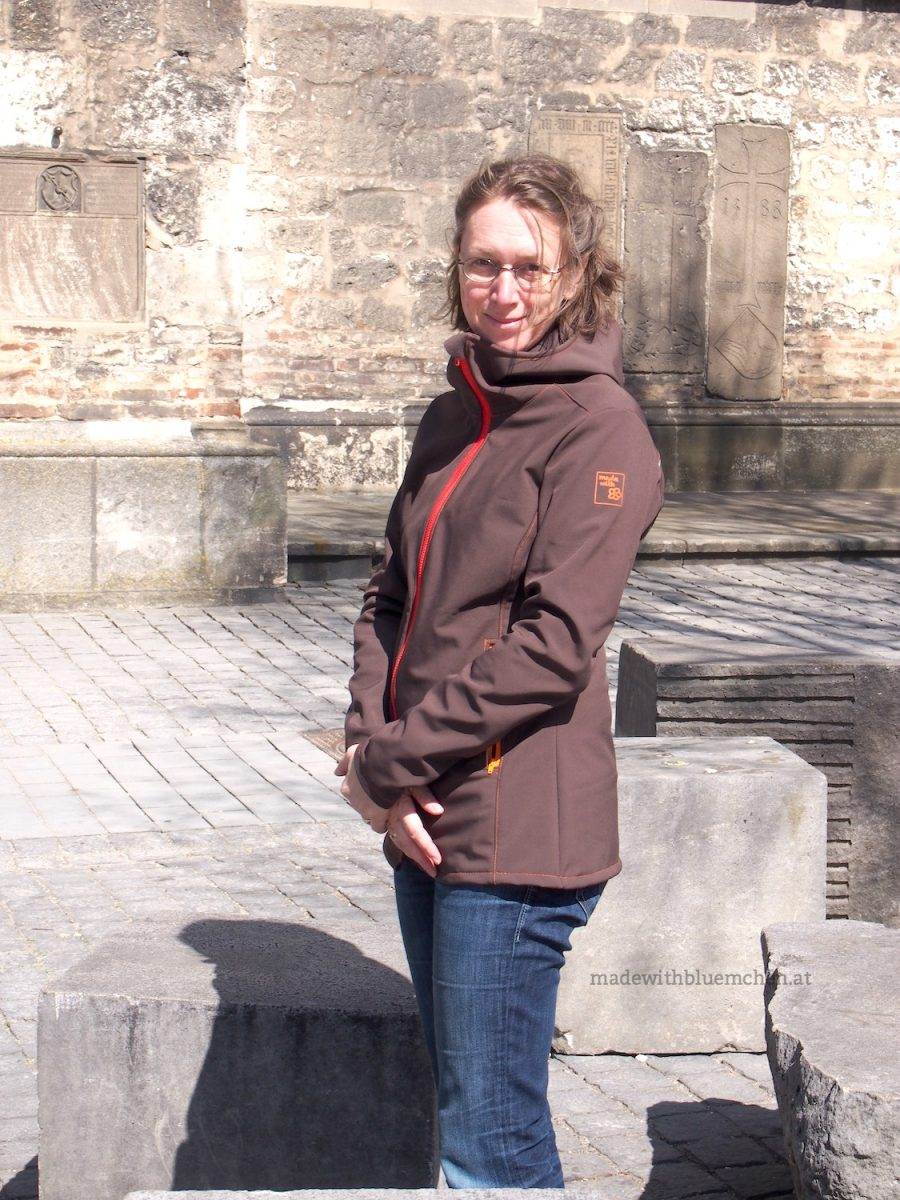 Softshell Jacke jErika made with Blümchen